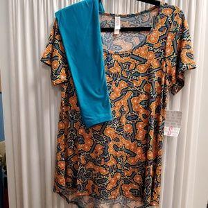 Outfit LuLaRoe NWT Sm Classic tee/OS Leggings